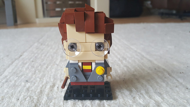 Harry Potter represented in the Lego Brickheadz style